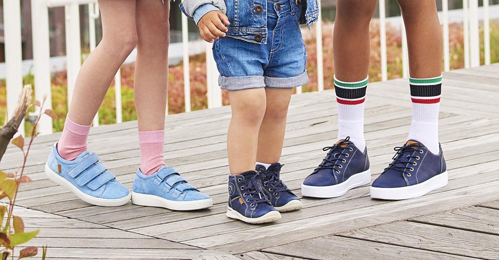 59d7012bcff ... av barnskor. Kängor & boots, sneakers, ballerinaskor, sandaler, tofflor  och gummistövlar i alla möjliga färger och varianter, för alla stilar och  ...